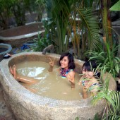 ニャチャンの温泉テーマパーク「100 Egg Mud Bath」で泥温泉に入ってみよう