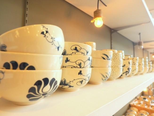 やわらかい印象のベトナム陶器