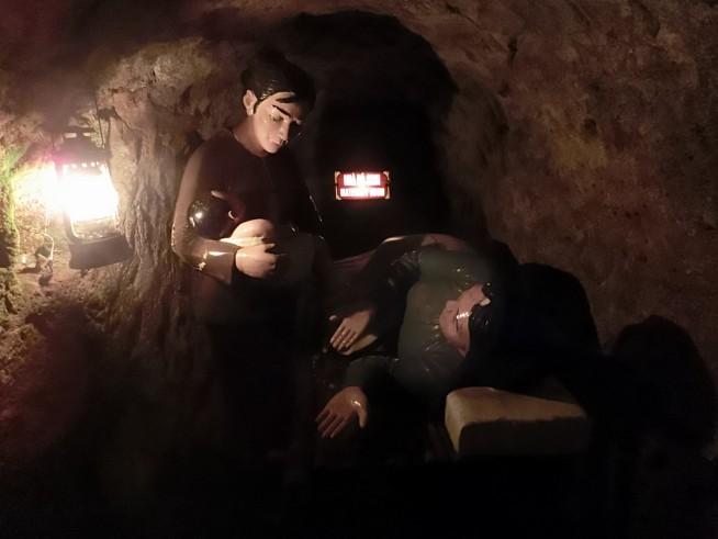 トンネル内で子供も生まれました