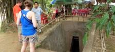 ベトナムDMZに残るヴィンモック地下トンネルに潜り戦争時の生活に思いを巡らす