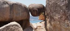 ニャチャンのホンチョン岬で奇岩と一緒に写真を撮ろう!海を見下ろすホンチョンカフェもオススメ。