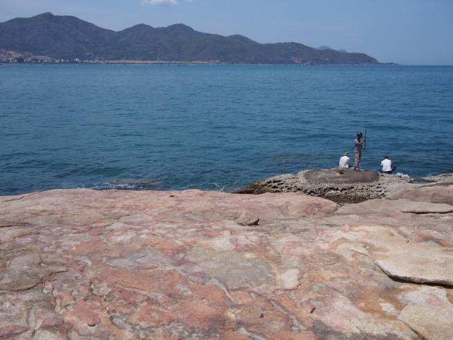 岬の先は断崖絶壁