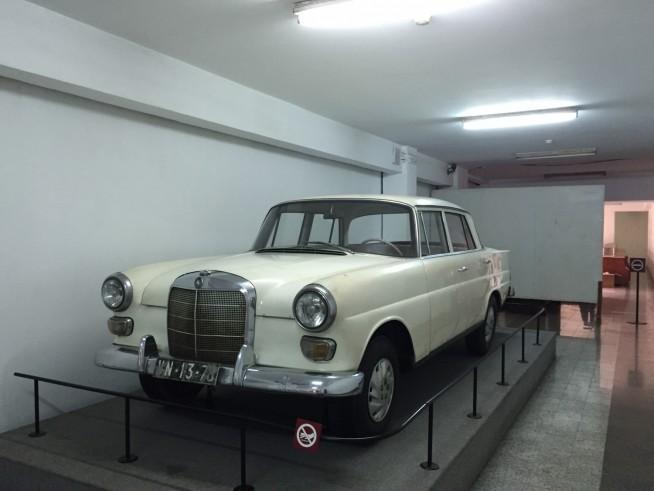 実際に南ベトナム大統領が使用した車です。