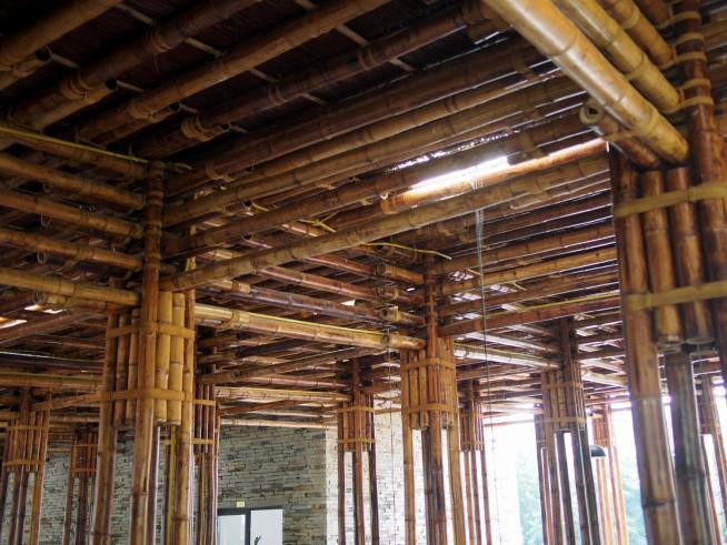 天井も、竹。