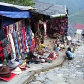 少数民族が多く住む高原観光地サパのカットカット村を歩こう
