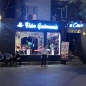 ラケイブフレンチワインラウンジ(La Cave French Wine Lounge)