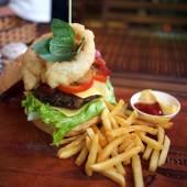 バーガーズBBQアンドグリル(Burgers BBQ & Grill )