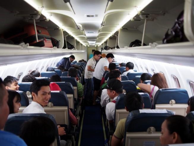 ATR72機内