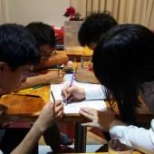 ベトナムの若者で流行っている「塗り絵」がとっても綺麗で楽しそう