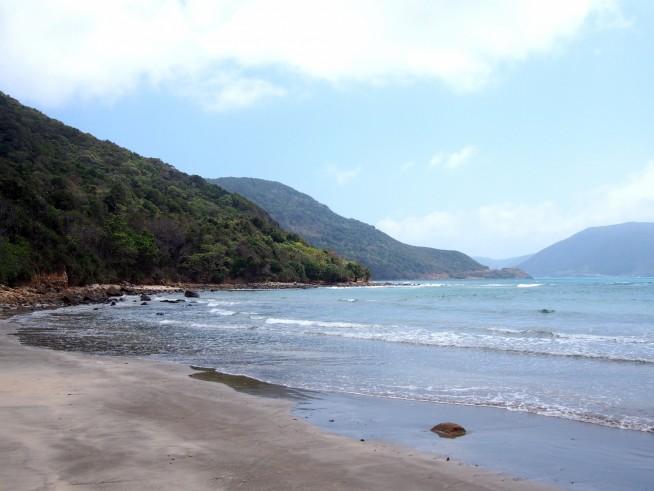 入江にあるビーチ