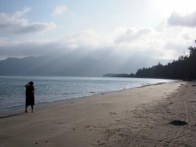 静かな長いビーチ