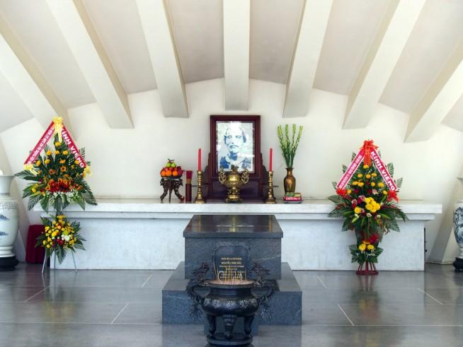 グエン・シン・サックさんのお墓