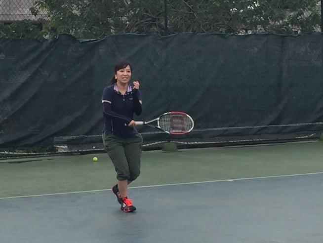 休日のテニス