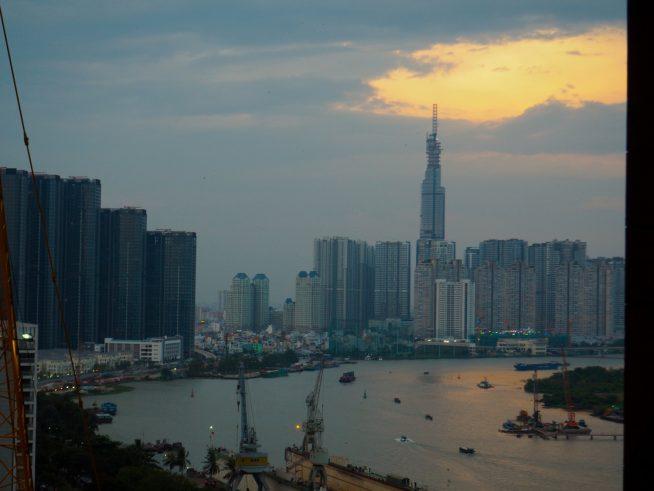天候によっては綺麗な夕焼け空が見れるかも。