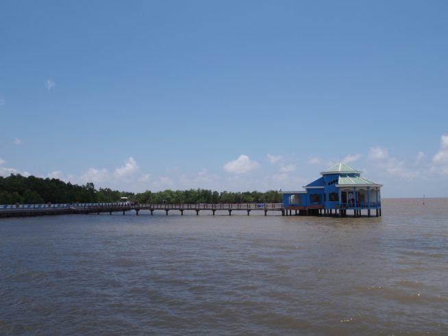 海に突き出たレストラン
