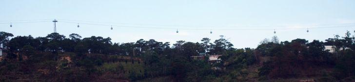 ダラットの全長2km超のロープウェイに乗って竹林禅院とトゥイェンラム湖に行こう