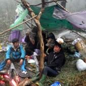 イエンバイ省とソンラー省にまたがるタースア山(Núi Tà Xùa)登山とモン族