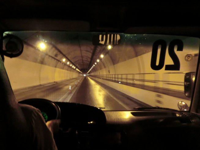 トンネルで一気に峠を越える