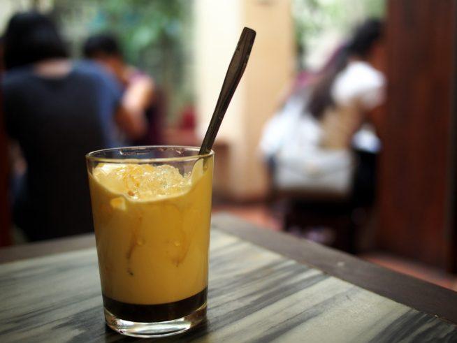 整備の合間のエッグコーヒー