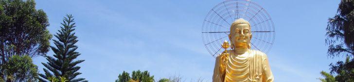 ダラット市を見下ろす黄金の大仏「ヴァン・ハン」を見に行こう