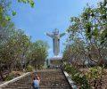 ブンタウで押さえておきたい観光名所のひとつである「キリスト像」