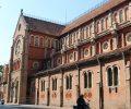 フランス統治時代の赤レンガ建築「サイゴン大教会」へ行ってみよう!