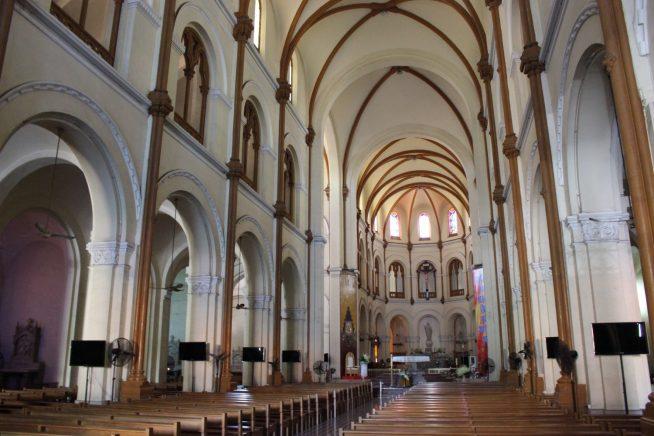サイゴン大教会内部