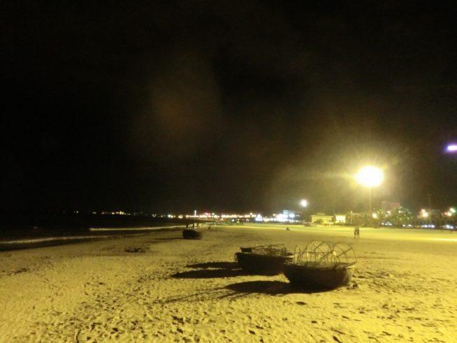 夜のミーケビーチ