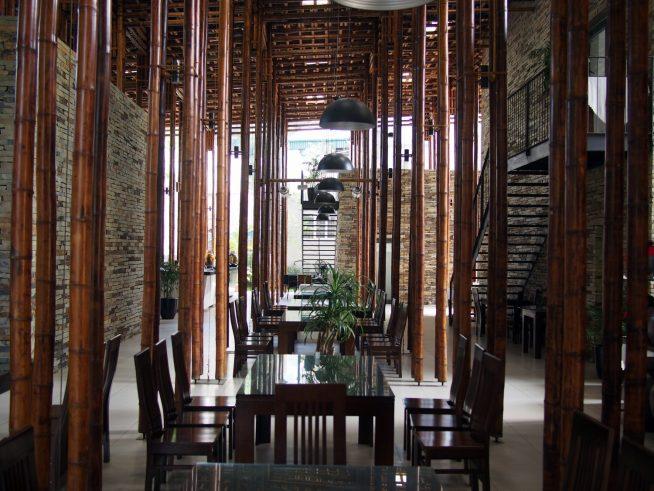 竹の建築がとても美しい