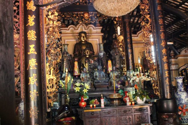 本堂の仏像