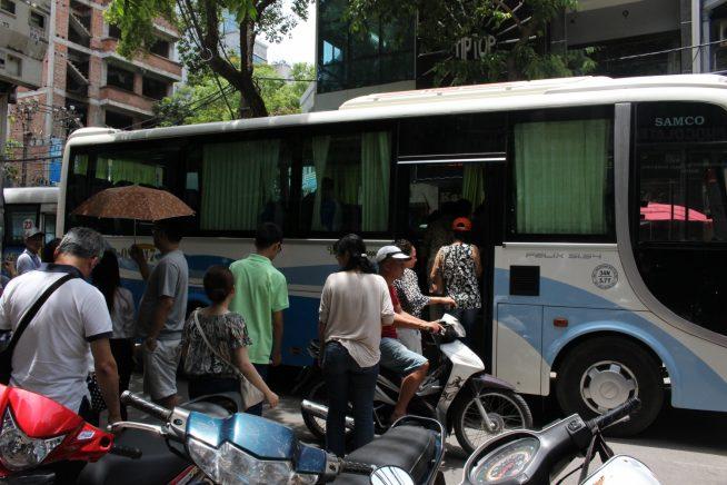 観光バスも!