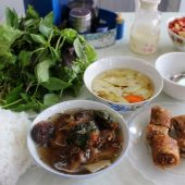 本場ハノイでベトナムのつけ麺「ブンチャー」を食べよう