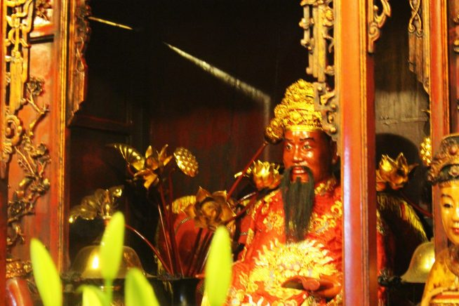 チャン・フン・ダオの像