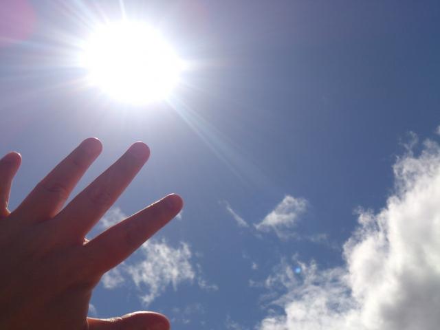 紫外線から皮膚を守り、美肌になるコツ