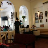 Hn・トロピカル・カフェ(Hn Tropical Cafe)