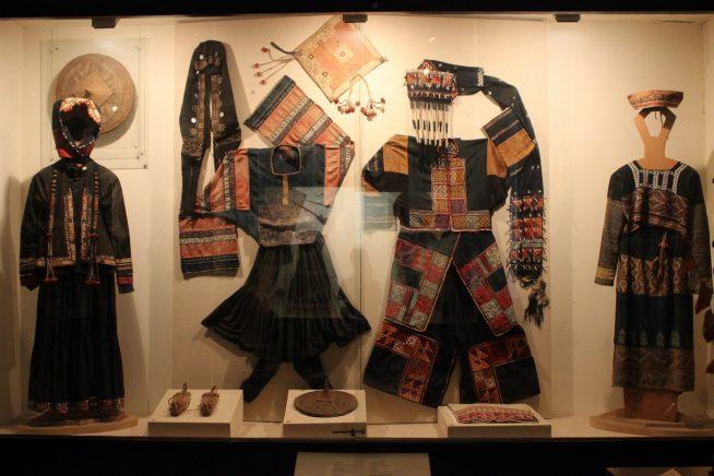 少数民族の衣装