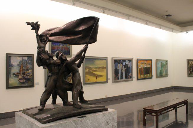 ディエンビエンフーの戦いでの勝利の像