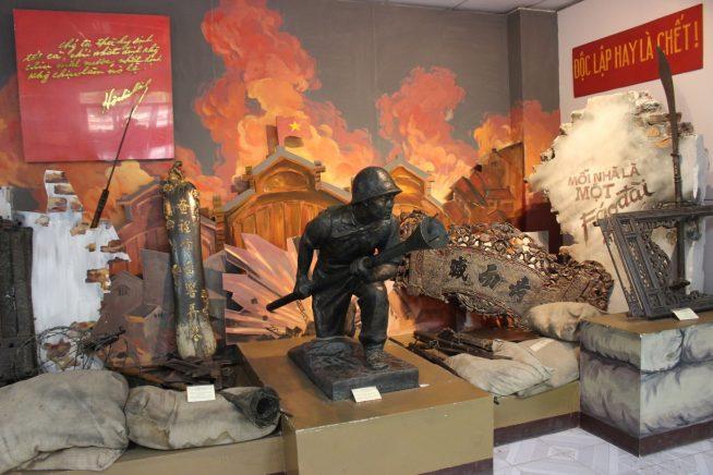 兵士の銅像