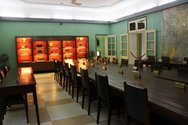 地上会議室の一室