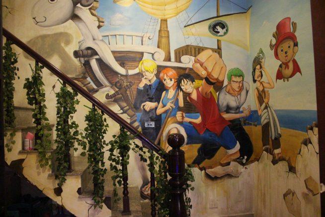 壁に描かれたアニメキャラクター
