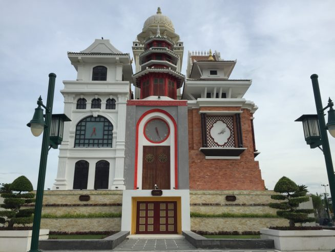 建築様式を表している の建物と時計