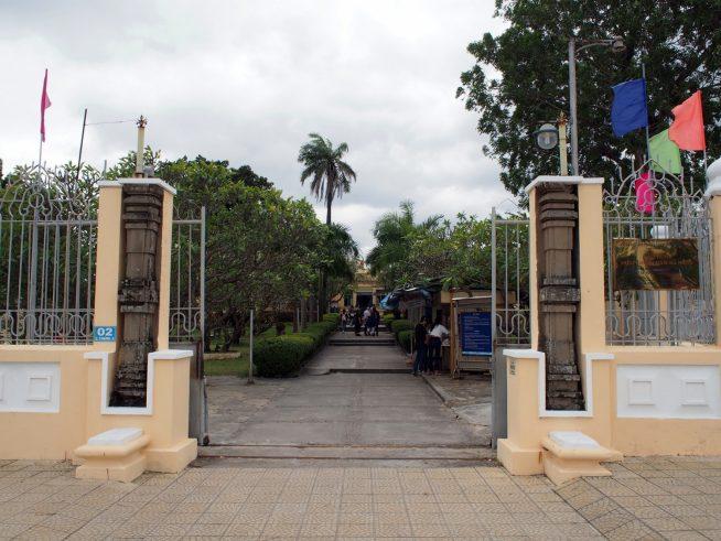 チャム彫刻博物館入口