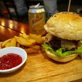 ファットシャギーズバー&グリル(Fat Shaggys Bar&Grill)