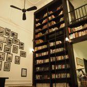 ザ・アルコーブ・ライブラリー・ホテル(The Alcove Library Hotel )
