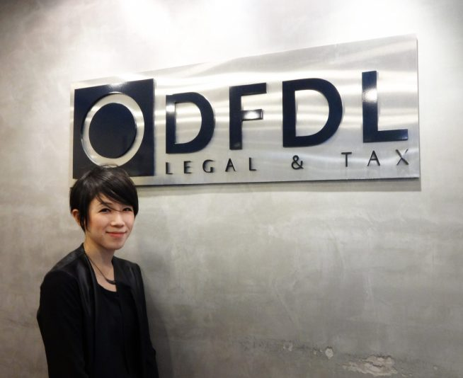 外資系法律事務所DFDLにお勤めの大谷彩乃さん