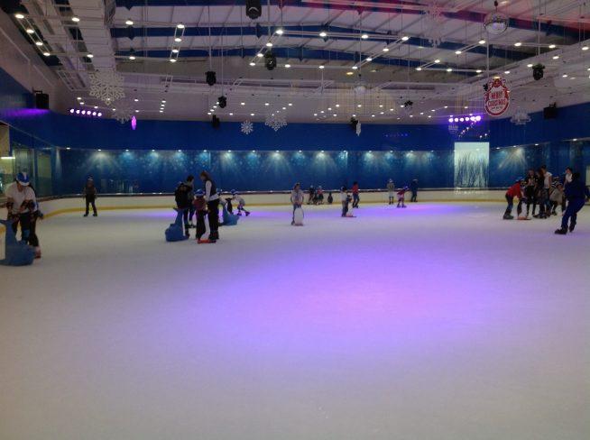広いスケート場です。
