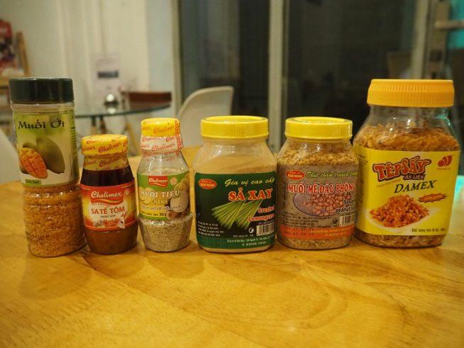 ベトナムのスーパーで見かける調味料