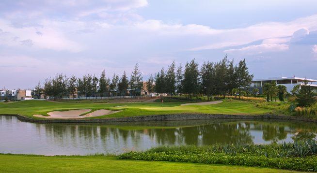 欧州ゴルフ界の一時代を築いた名手、モンゴメリーが設計したチャンピオンコース。