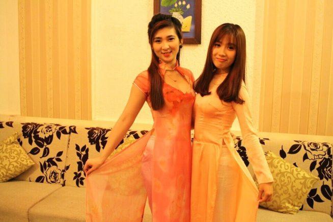 ベトナム美女が笑顔でお出迎えしてくれます。