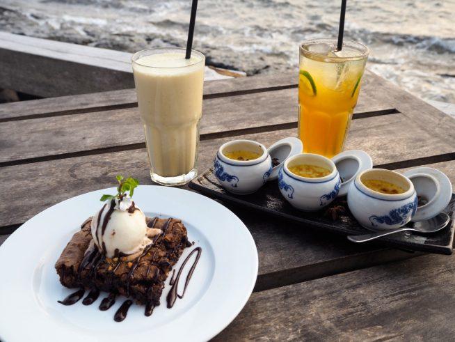 チョコレートケーキとクリームブリュレ